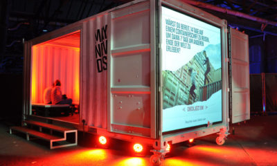 twotimestwentyfeet_marlboro_party_event_promotion_container_backpro_bildschirm_container_roadhow_2x20ft_werbung_container_architektur_cargotecture_mobil_struktur-692x503